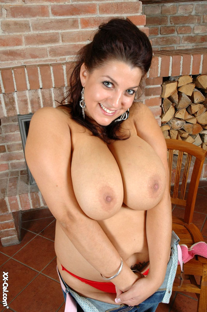 Hairy pussy BBW chick taking off her pink undies and - Picture 9