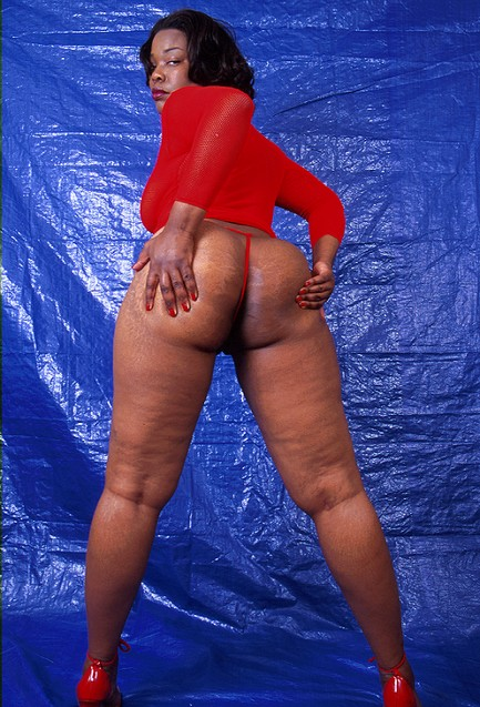 If you like mature black women with plenty of ass then - Picture 11