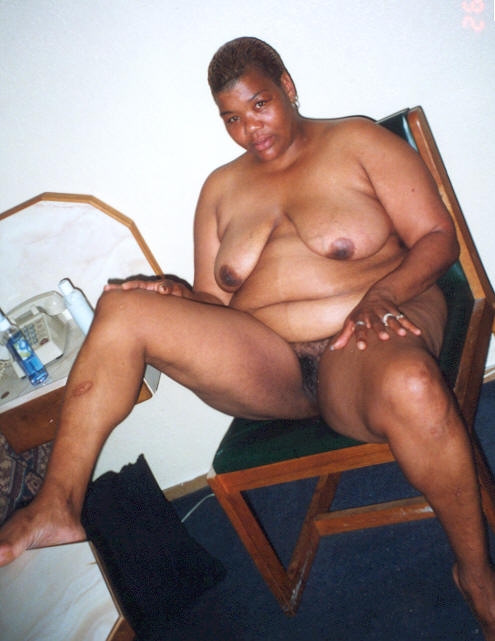 Black chick in fishnets shows off her fat round ass and pretty pussy then fucks 10