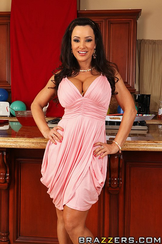 Lisa Ann College Party <b>lisa ann</b> is your guide on how to throw a successful part <b></b>