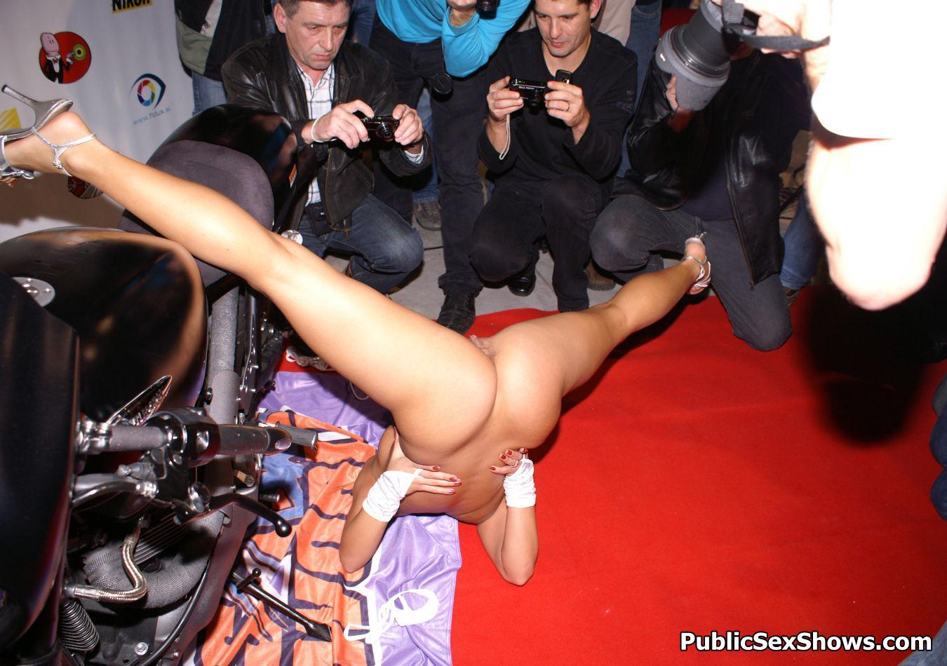 Теле порно щоу, Порно-шоу онлайн, смотреть видео секса с реалити-шоу 2 фотография
