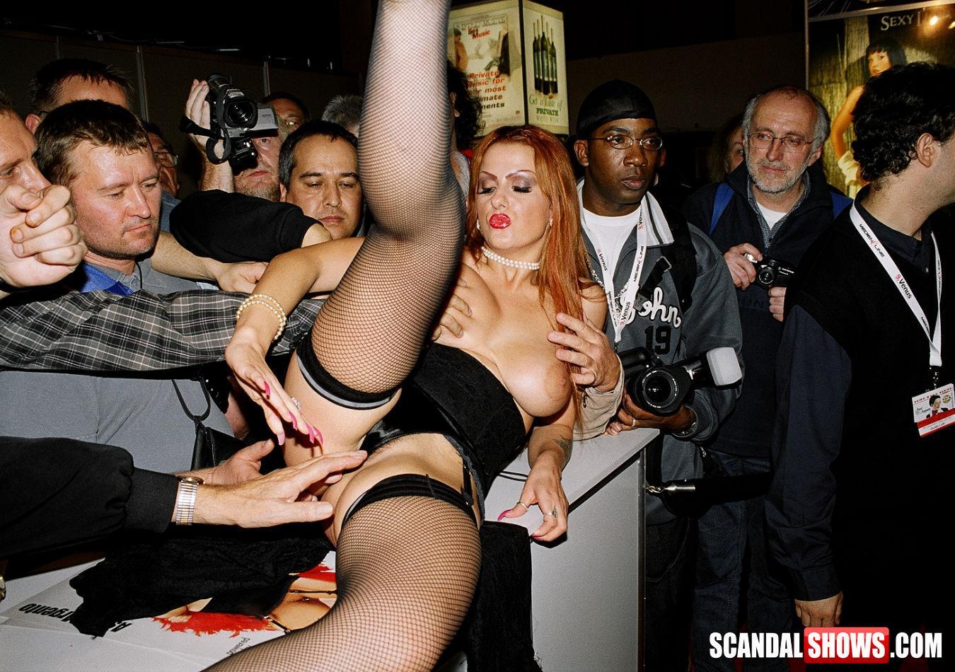 Секс На Концерте Публичный