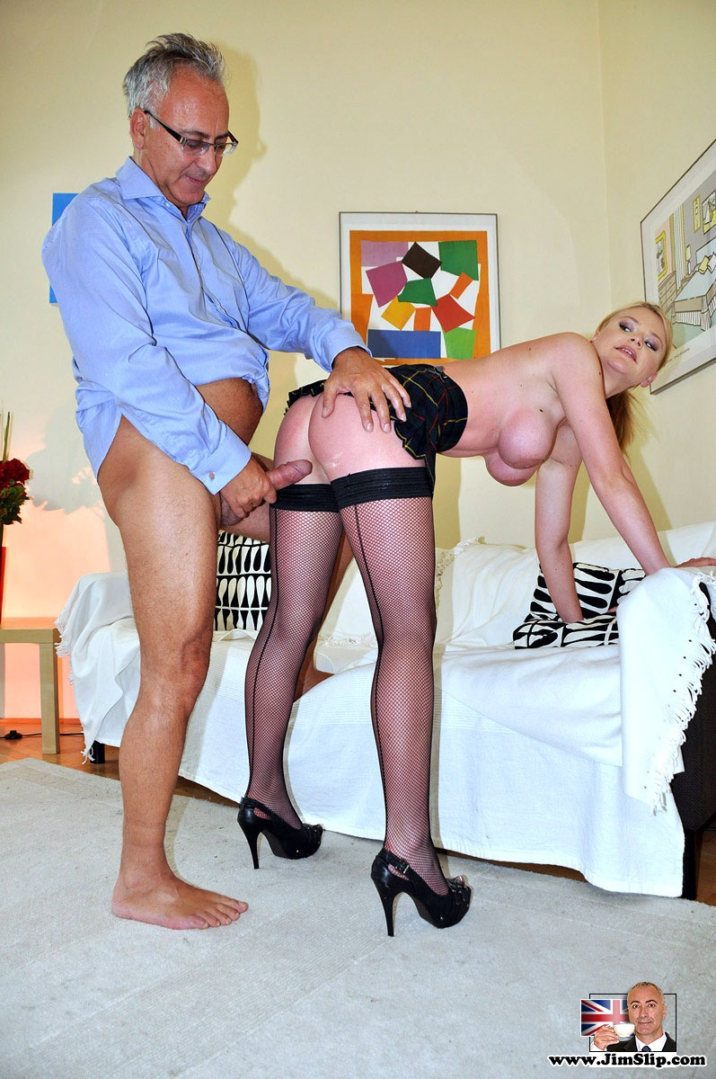 мужиками старыми молоденькие порно со