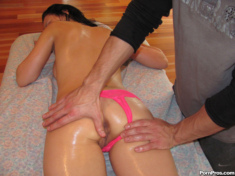 porno-massazh-neozhidanniy-seks