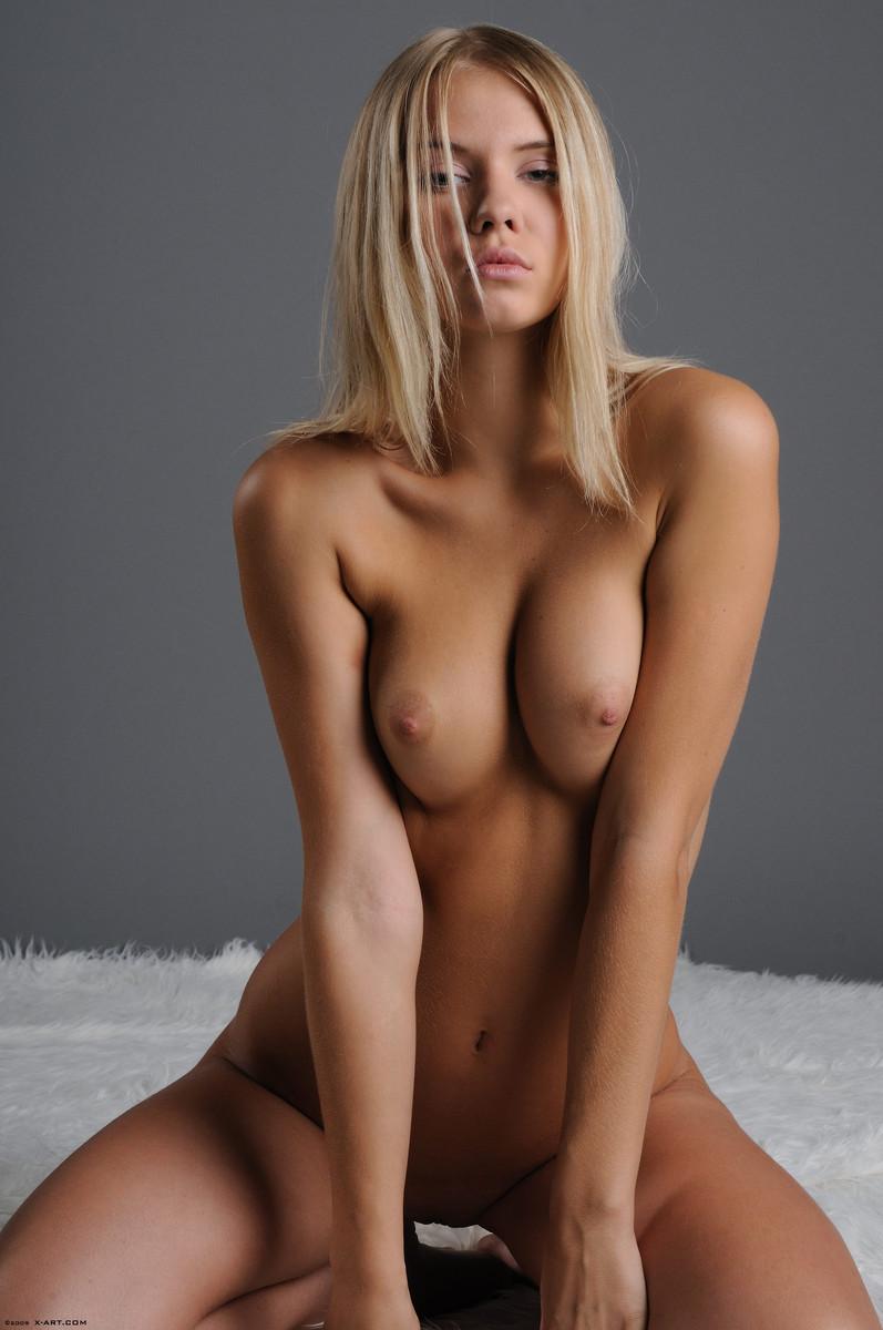 golie-seksi-blondinki