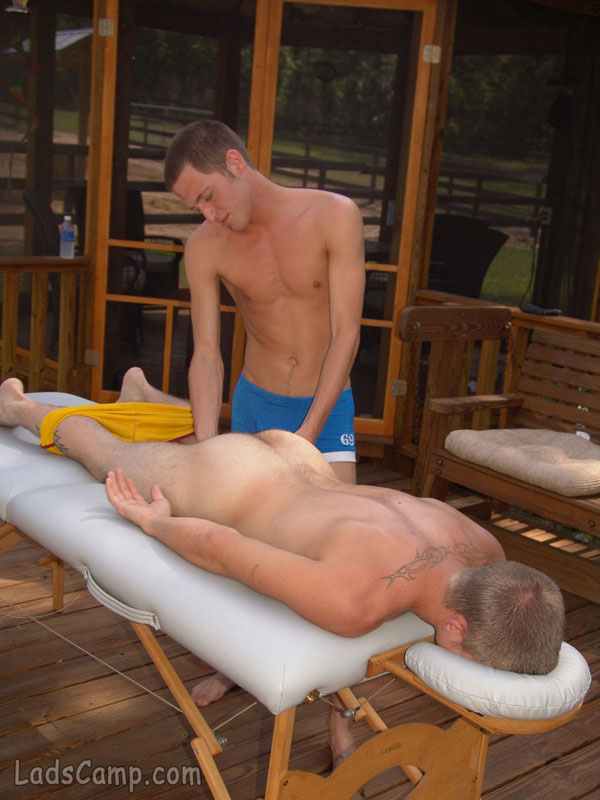 homo kneppe sex thai massage hvam