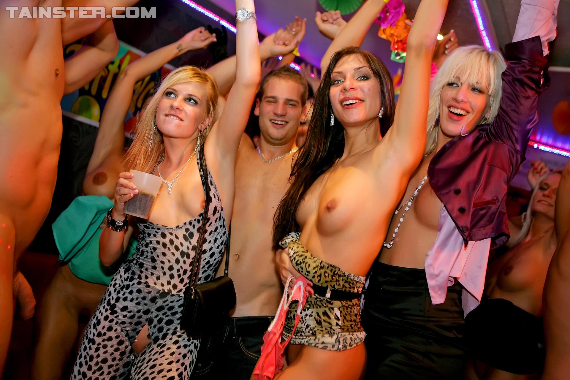 Фото вечеринок голых, Порно фото на вечеринке 4 фотография