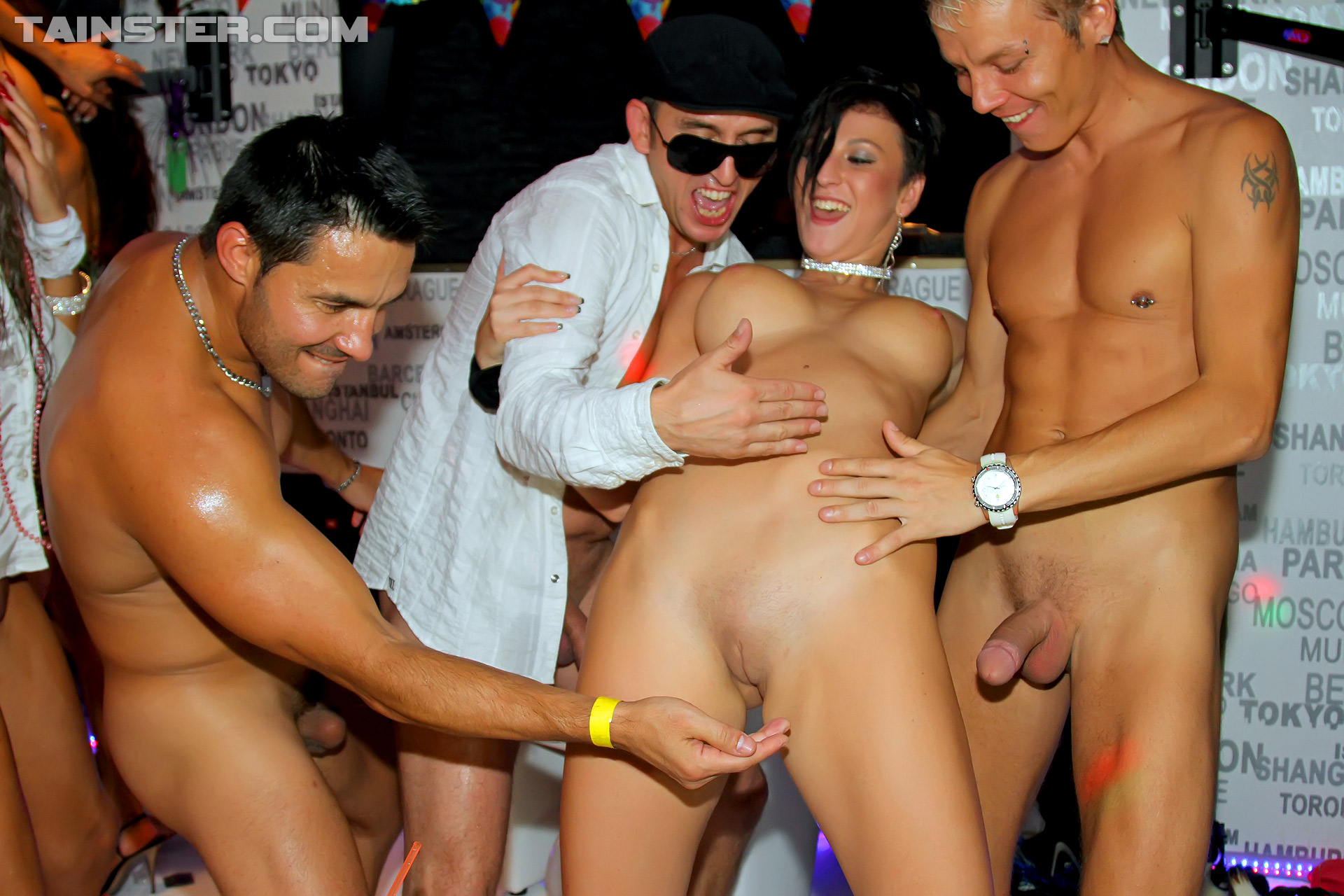 Entertaining Sexy butt girl in party