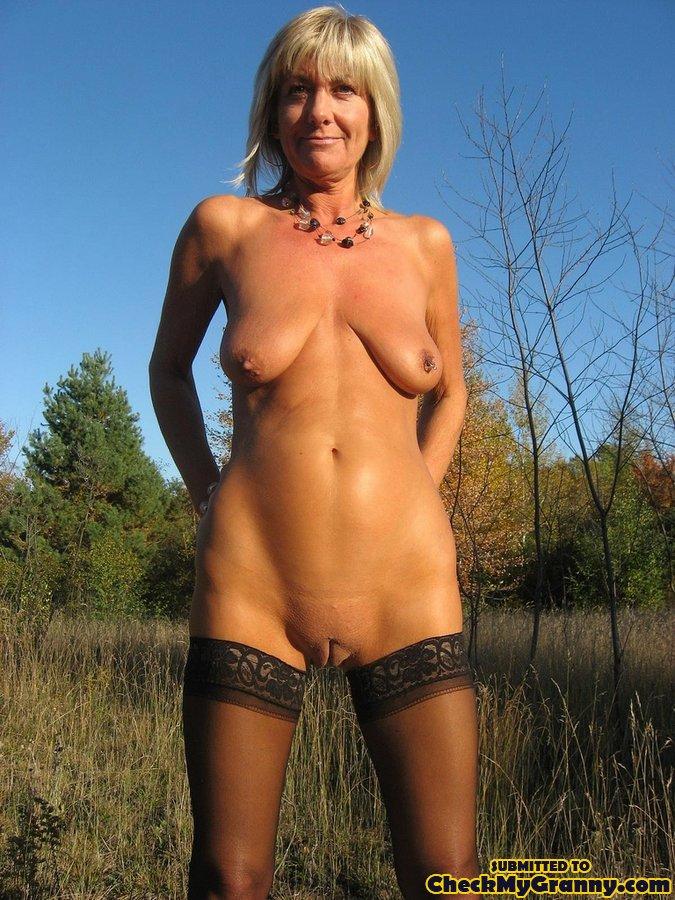 Mature blonde housewife in tight black stay - XXX Dessert ...