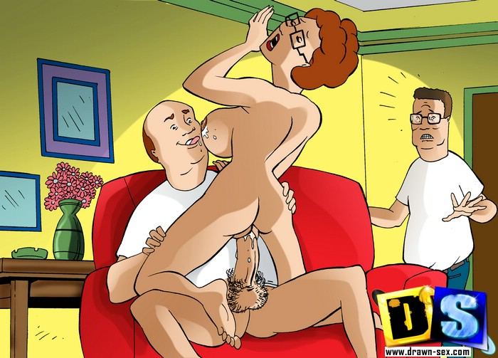 Slutty cartoon mom Peggy Hill rides her husband's - Picture 3