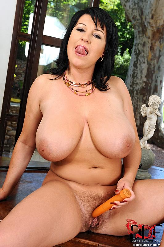 Porn mature brunette