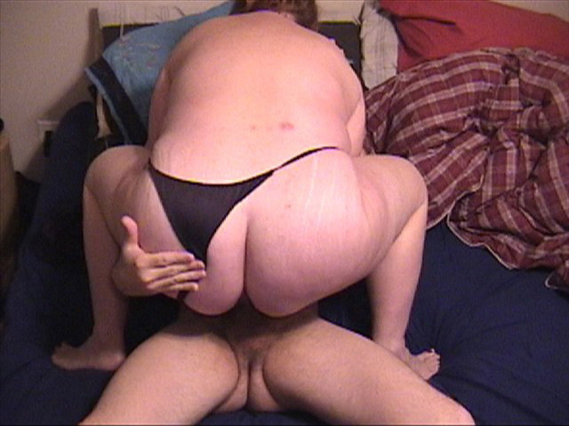 Ponytailed granny in black panties sucks cock - Picture 4