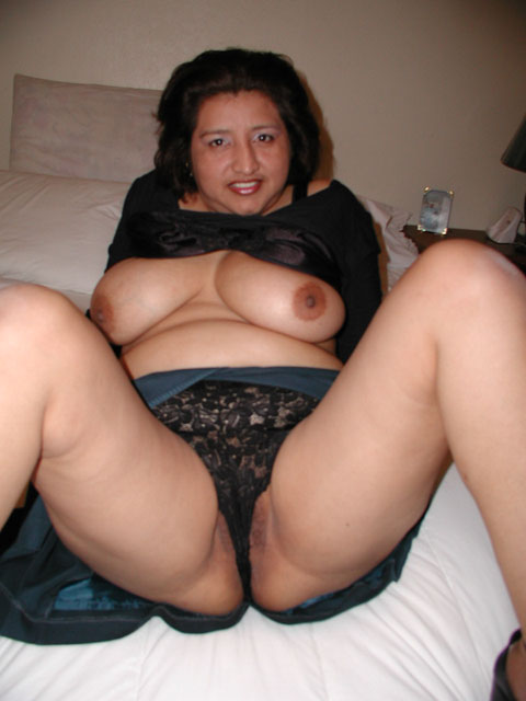 Amateur latinas in nylons