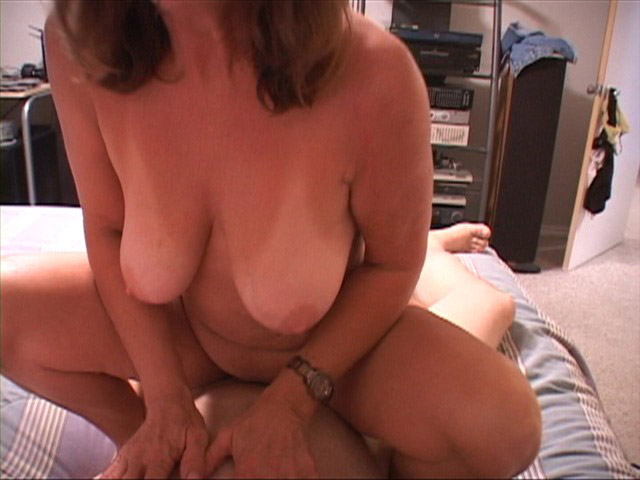 Big boobed bbw enjoys sex