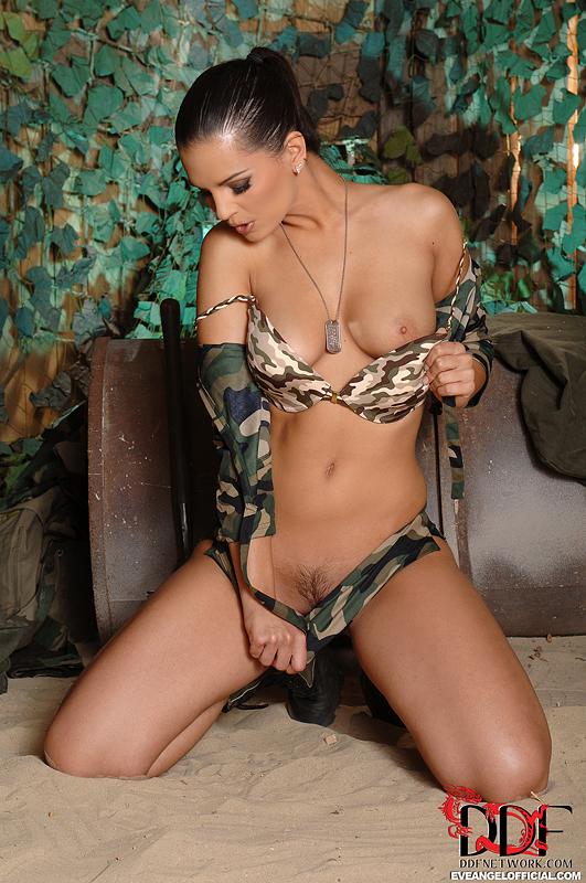 hot amature naked hotties