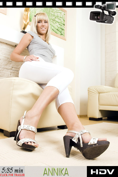 More feet in sexy shoes, feet in - Sexy Women in Lingerie - Picture 2