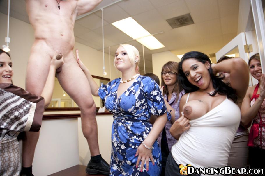 striptizer-v-ofise-porno