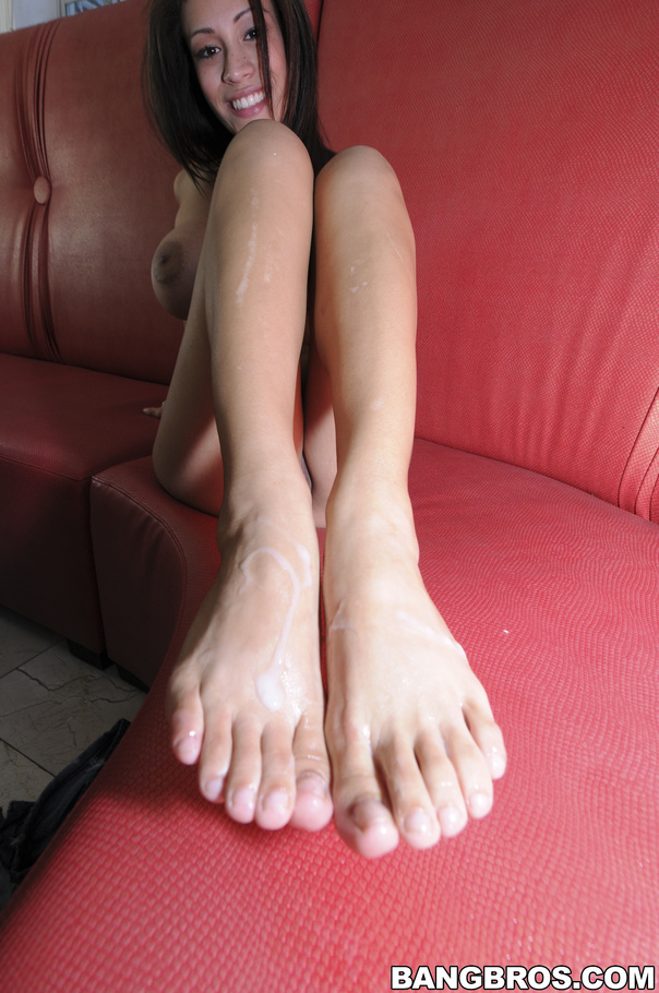 Huge cumshot footjob foot fetish feet nylons comment pls 5