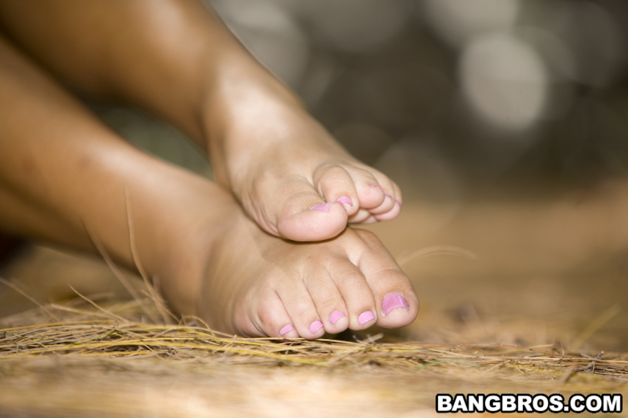 a magicalfeet kim kennedy footjob
