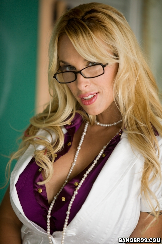 New milf teacher youx xxx for Youporn piscine