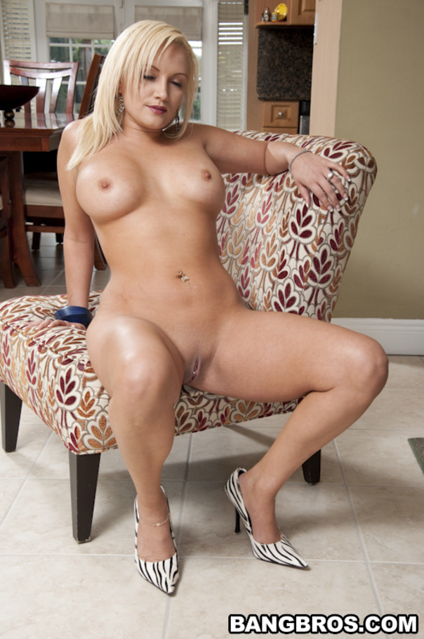 image A blonde milf tagged by bbc039s