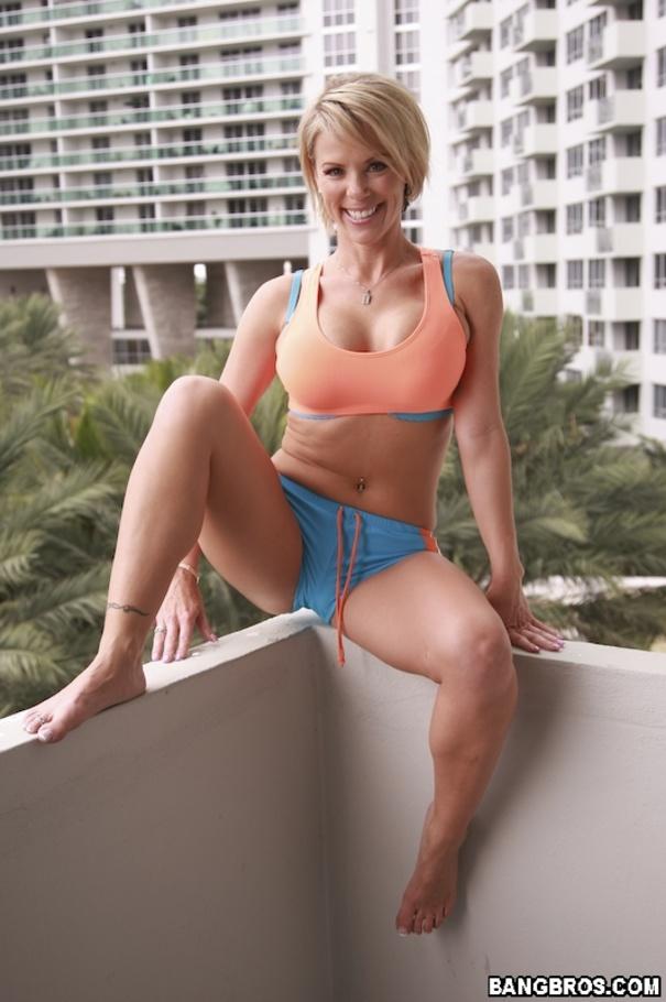 Sexy Workout - YOUX.XXX