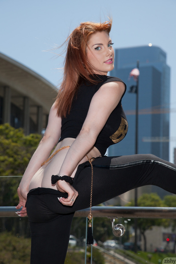 Hot ass redhead Lilith Lust with a PHAT ass