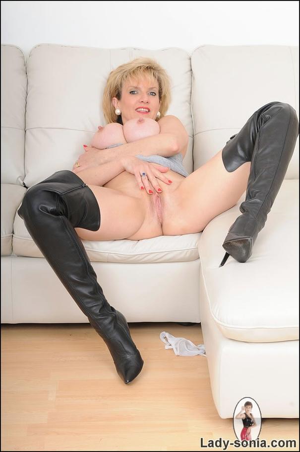 nudist i norge lady sonya