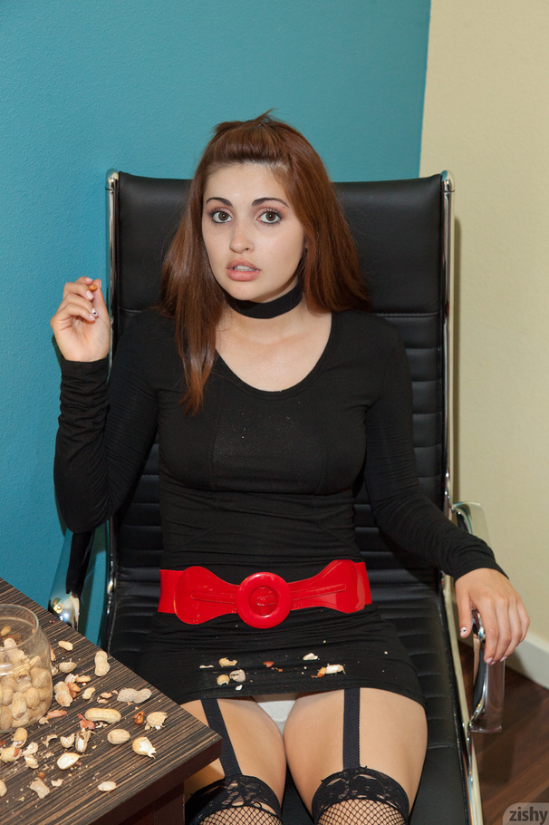 Masturbating action with tremendous amateur teen Jade Jordan  1636578