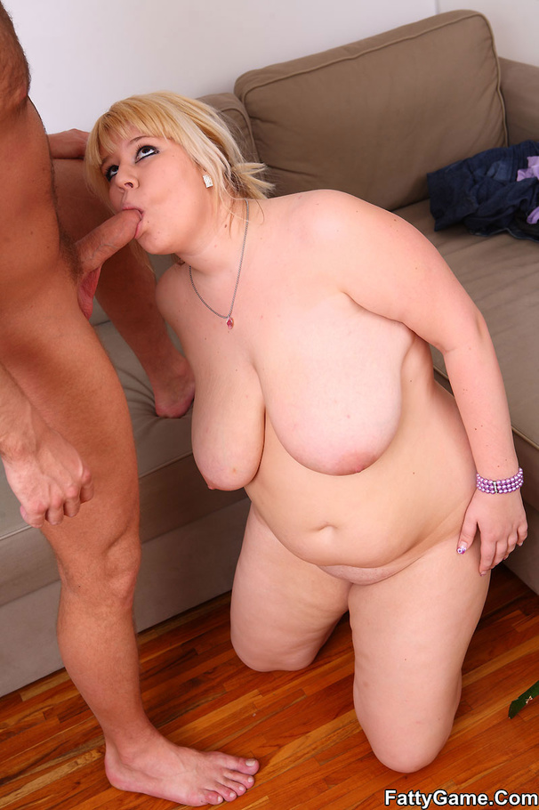Fiona Bbw Blonde Cocksucker