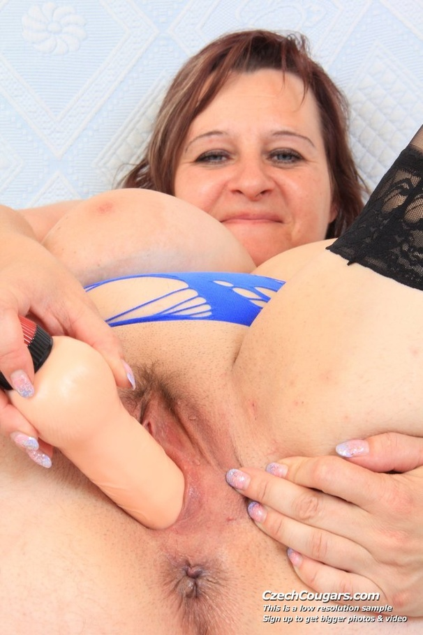 Mature Solo Squirt