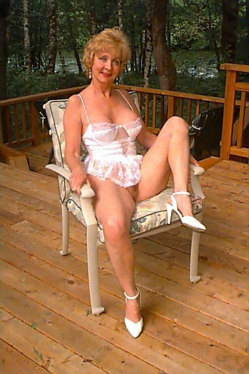 Mature Classy Carol From United States - YOUX.XXX