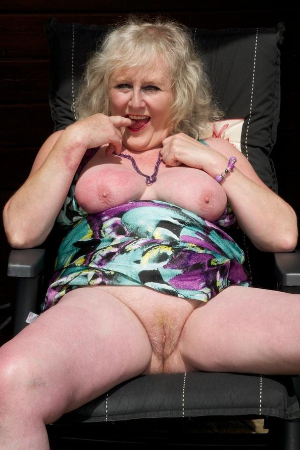 Striptease Claire Knight From United Kingdom - YOUX.XXX
