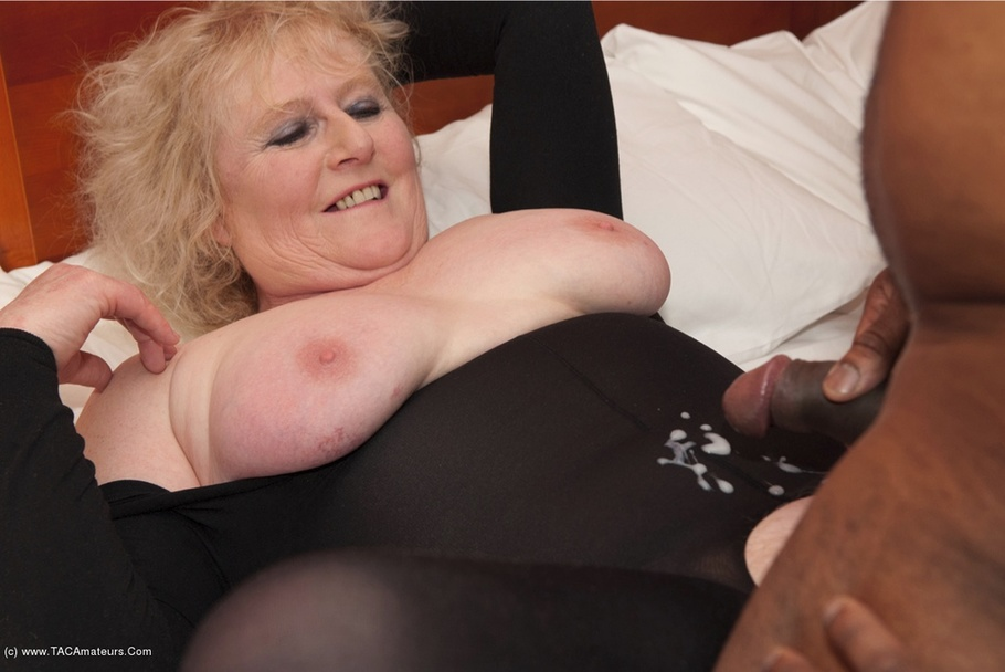 Claire knight huge load facial 3