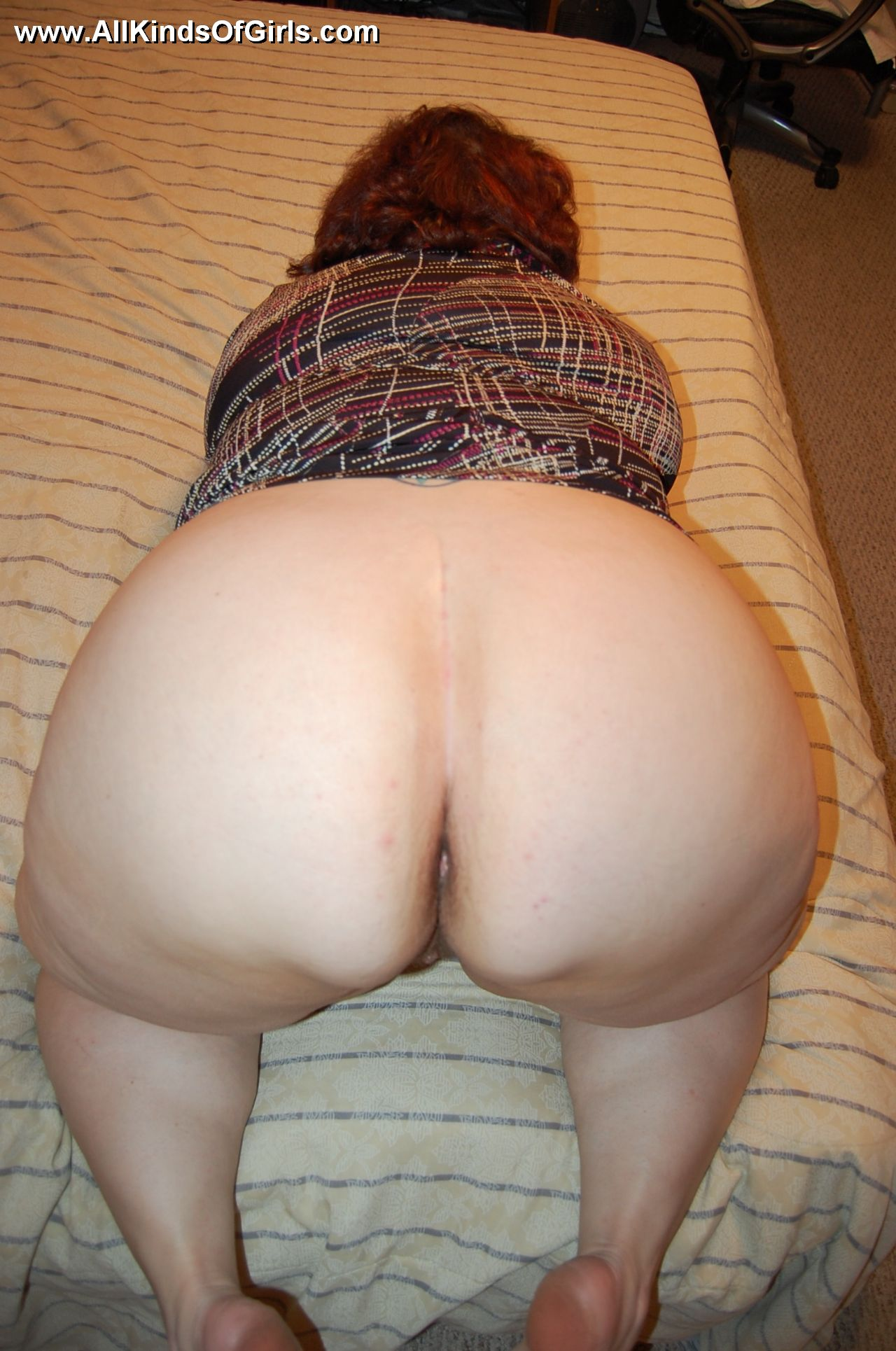 Mature cellulite ass