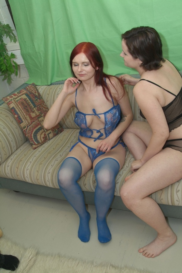 Strap on lesbian sex at freeones