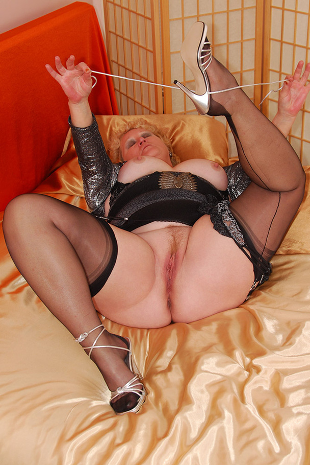 Tac amateurs mature bbw granny s share