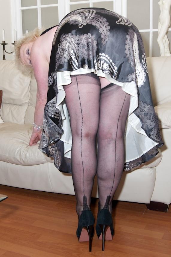 Bbw Striptease Claire Knight From United Kingdom - YOUX.XXX