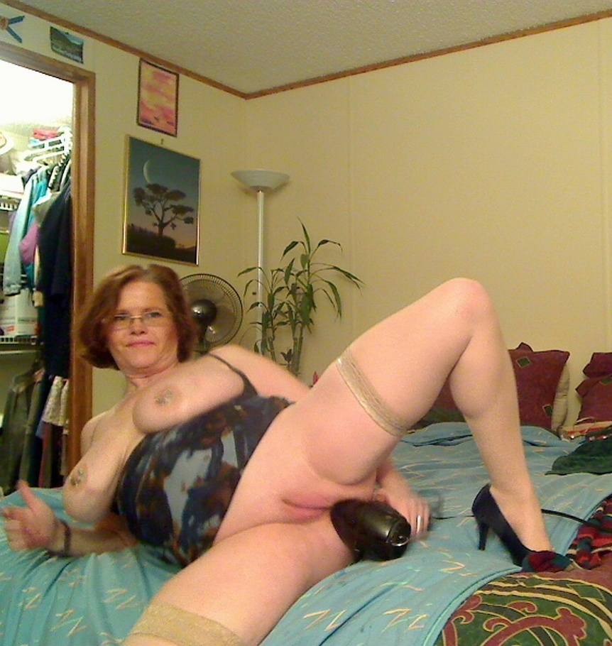 Amateur milf at home first time solo 10