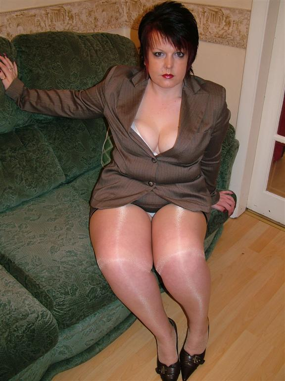 Lustful grunting chubby businesswoman