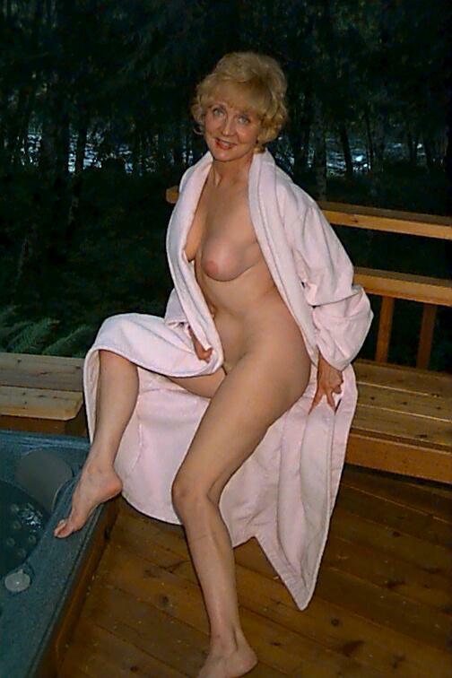 Granny Classy Carol Granny - Hot Girls Wallpaper