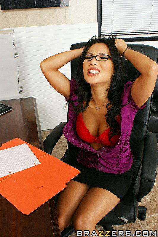 Mature office lesbos