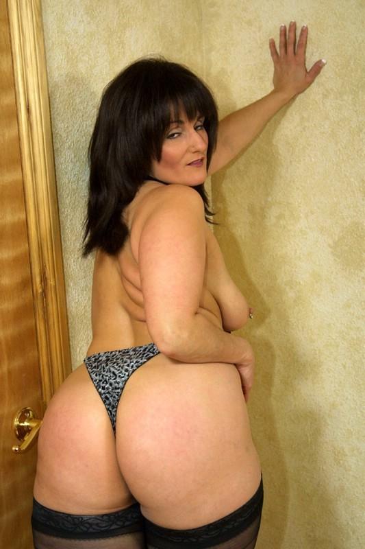 Порно фото широкие полные бедра