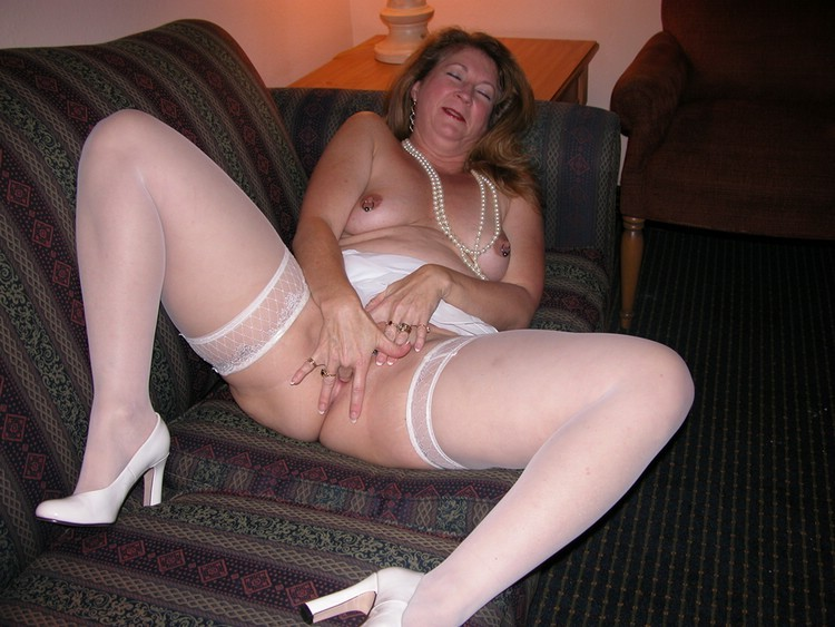 Mature XXX Videos Russian Mom Cougar and etc
