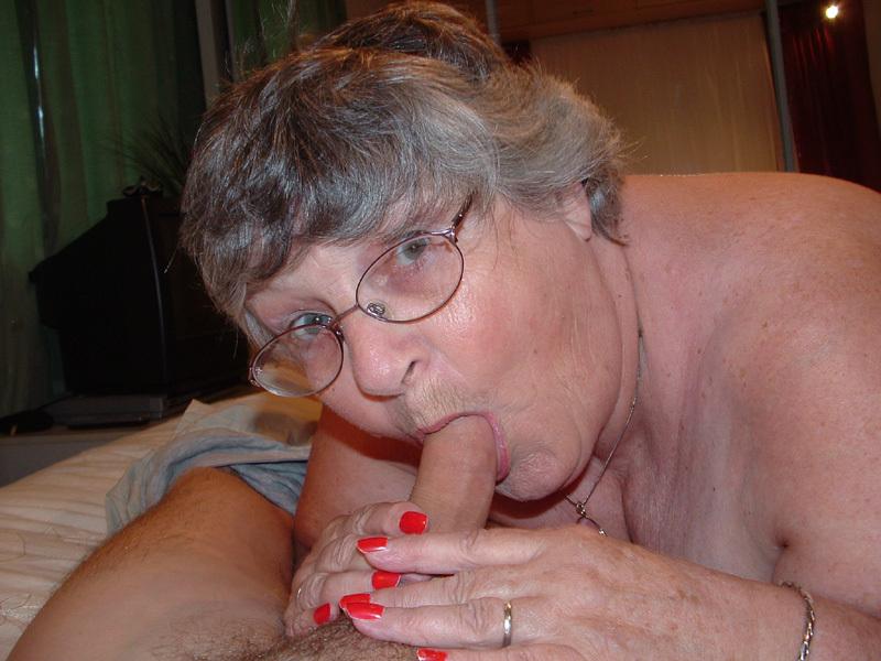 Granny facial nylon