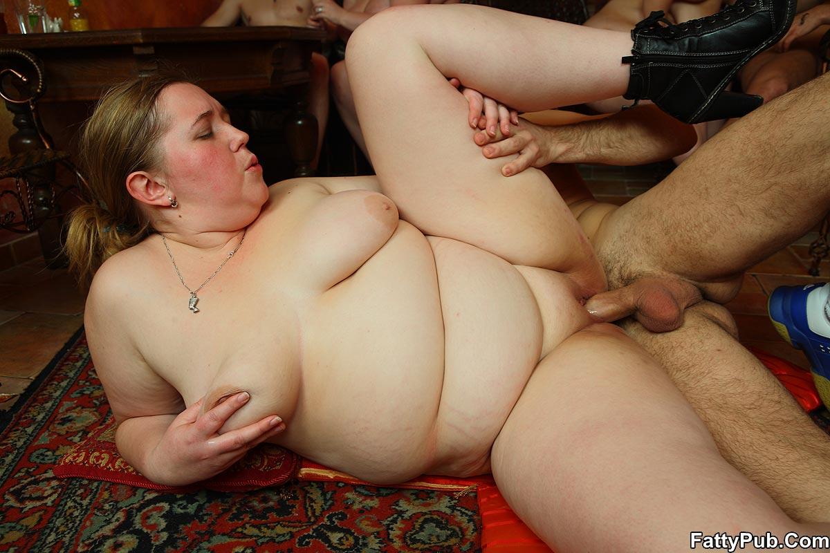 Жесткий трах толстых баб в фотопорно