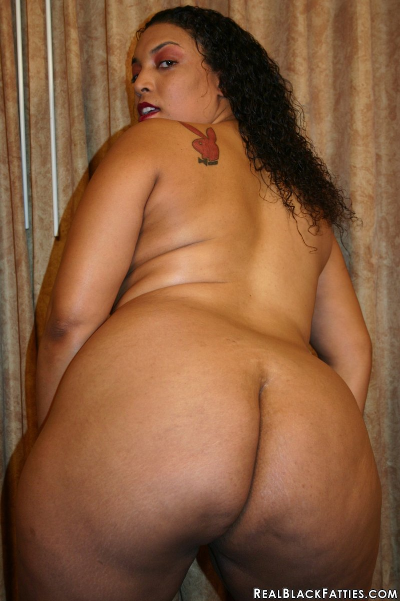 Big dark skin girl naked
