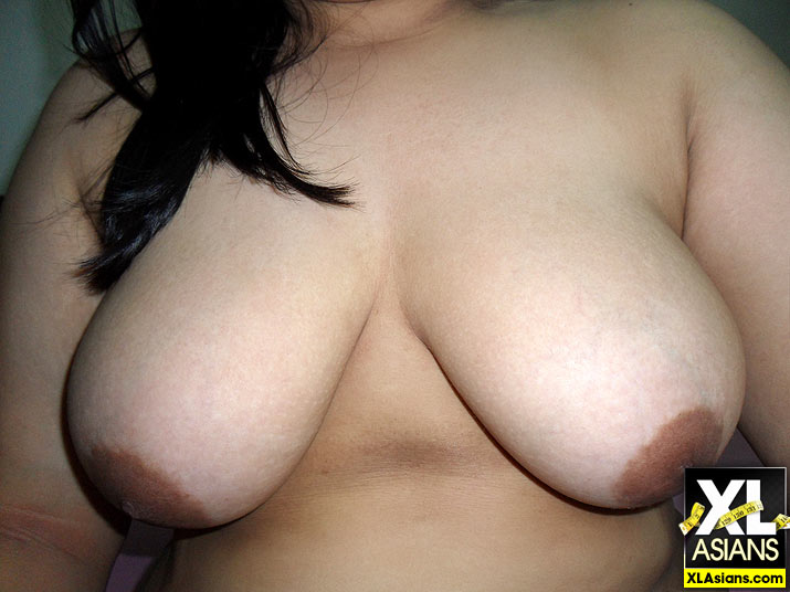 Plump Asian Jean takes dirty pictures of herself - Picture 14