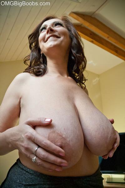 Big boobs bra mature