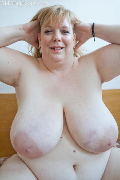 Milf pussy tit